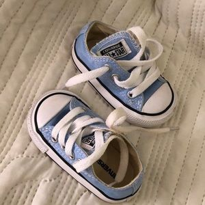 Converse sneakers size 3 toddler